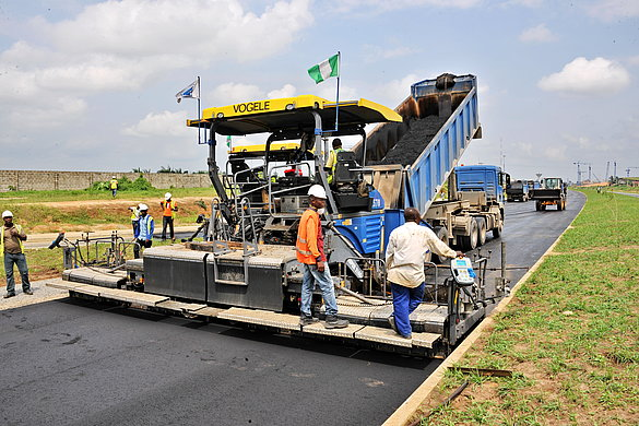 A dual main carriage way in Uyo town